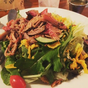 Salad with pulled pork